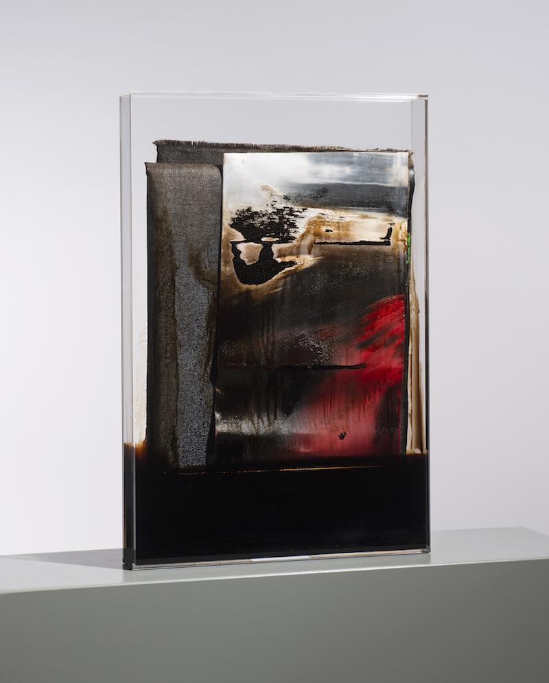 faltung_bitumen-Faltung_Bitumen Nr. 12-Öl auf Leinwand und Bitumen im Plexiglasbox - 75 x 50 x 7 cm - 2017