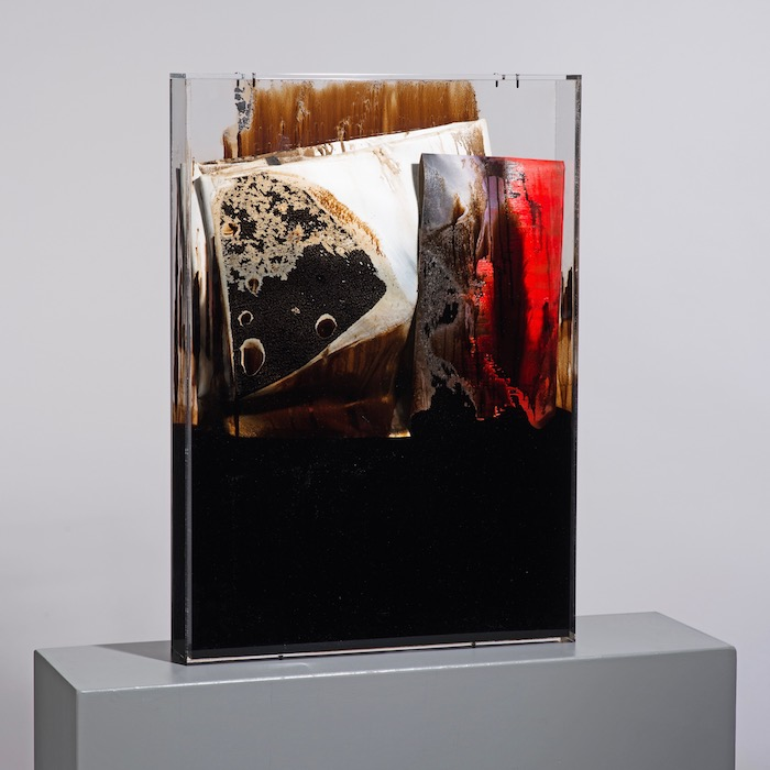 faltung_bitumen-Faltung_Bitumen Nr. 4-Öl auf Leinwand und Bitumen im Plexiglasbox - 85 x 60 x 10 cm - 2017