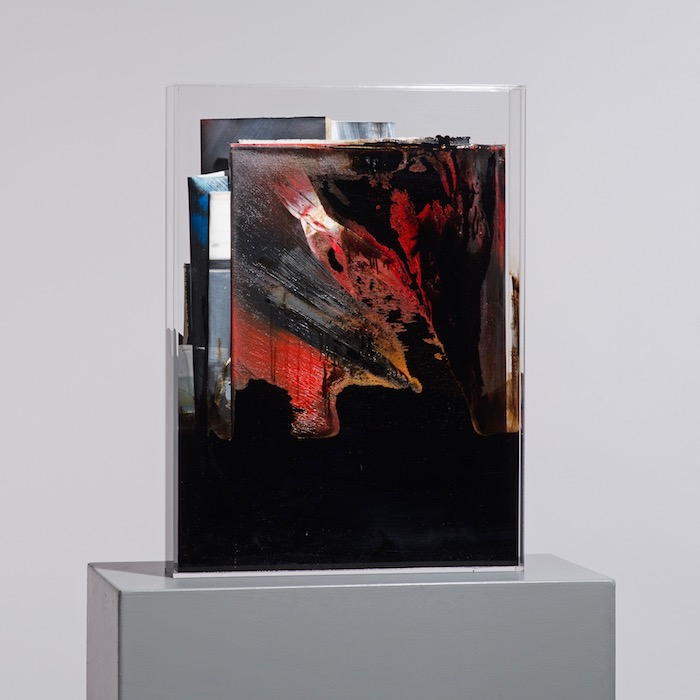 faltung_bitumen-Faltung_Bitumen Nr. 6-Öl auf Leinwand und Bitumen im Plexiglasbox - 59,4 x 43,4 x 7,2 cm - 2017
